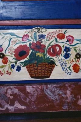 Détail d'armoire peinte