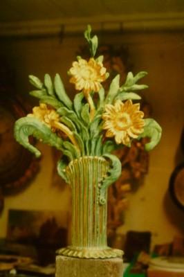 Bouquet bois sculpté doré et peint